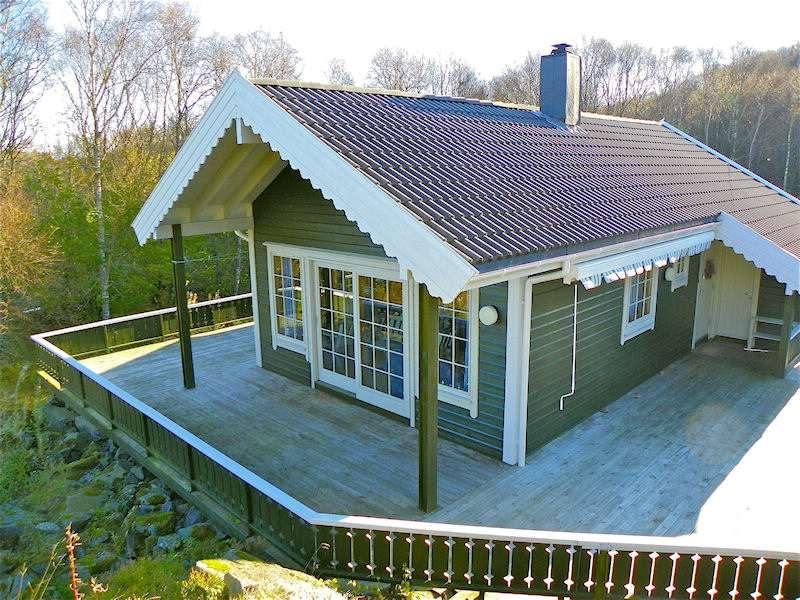 bilder aussen norwegen tolles blockhaus in toller lage an der k ste s dnorwegens haugesund. Black Bedroom Furniture Sets. Home Design Ideas