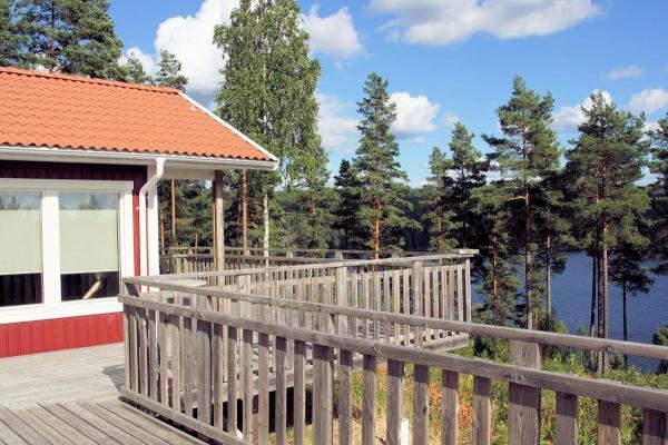 schwedenvilla in kristinehamn schweden immobilien online. Black Bedroom Furniture Sets. Home Design Ideas